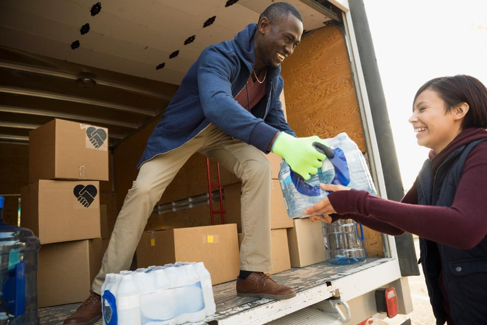 Act Of Giving: These Selfless Behaviors Reveal A Common Thread
